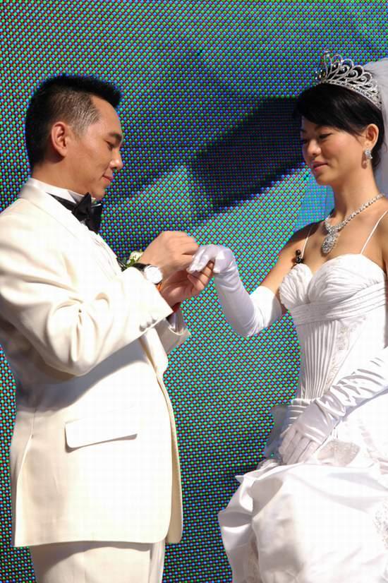 图文:李厚霖迎娶李湘举行盛大婚礼(9)