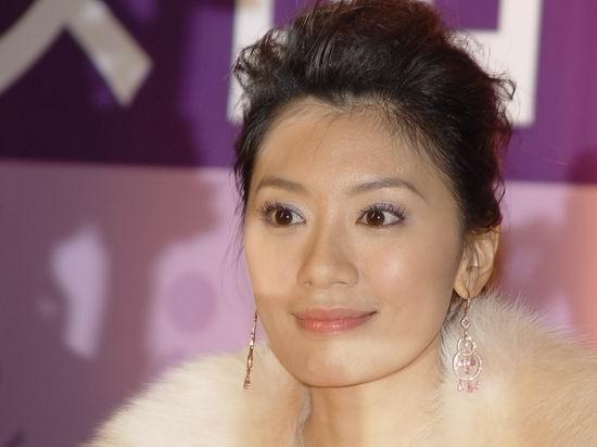 美容师曝料贾静雯已经怀孕三个月将到美国待产