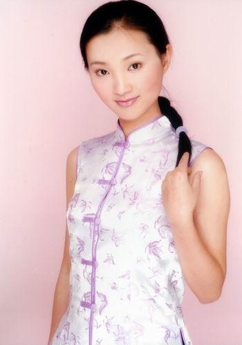 云南电视台《女人香》栏目主持张小燕猝死(图)