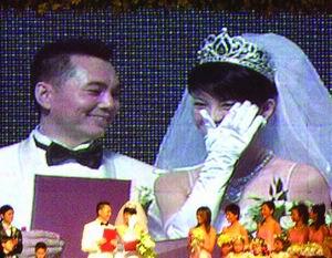 李厚霖委托助手驳离婚传闻称结婚后很专一(图)