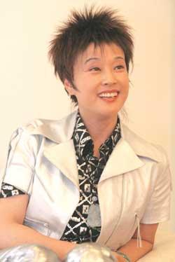刘晓庆称曾是班上舞后感慨超女不容易(组图)
