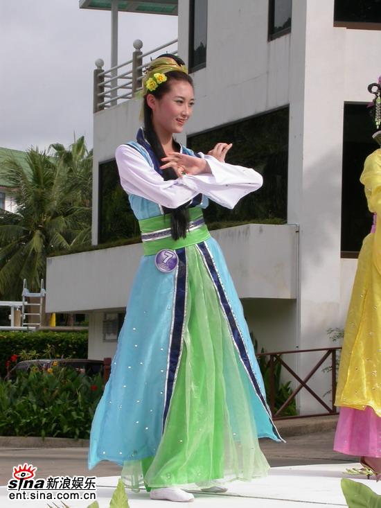 组图:星姐泰国性感可爱拍外景--7号韩剑文