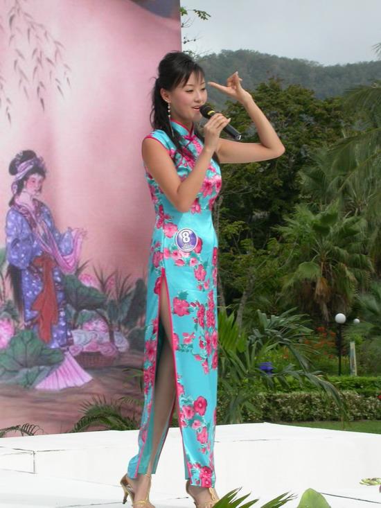 新浪娱乐讯 2005年星姐选举半决选通过歌艺秀,舞蹈秀,才艺秀分别
