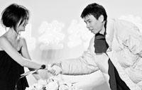 周迅昨日签约华谊太合冯小刚自曝一手促成(图)