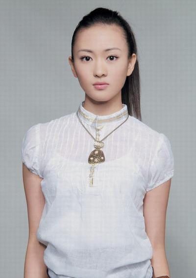 """童瑶""""倒追""""王志文为《疯狂的石头》疯狂(图)"""