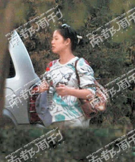 姜文女友周韵8月产子暂停《太阳》拍摄(附图)