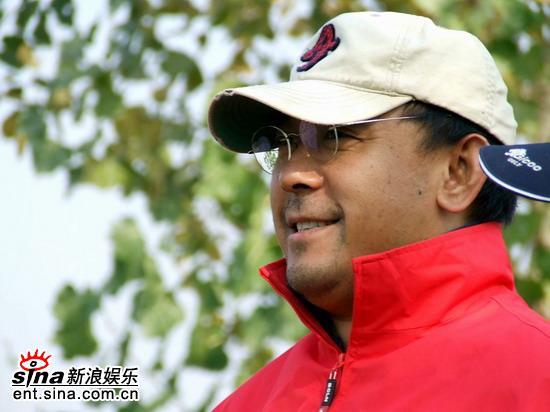 姜文王志文较量高尔夫一个被恭喜一个怕记者