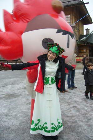 梅婷代言福娃跨越北极圈圣诞老人村传奥运精神