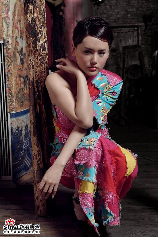 影视演员杨欣_杨欣,已凭借火辣的身材,靓丽的外形,精湛的演技戴上了影视圈百变小