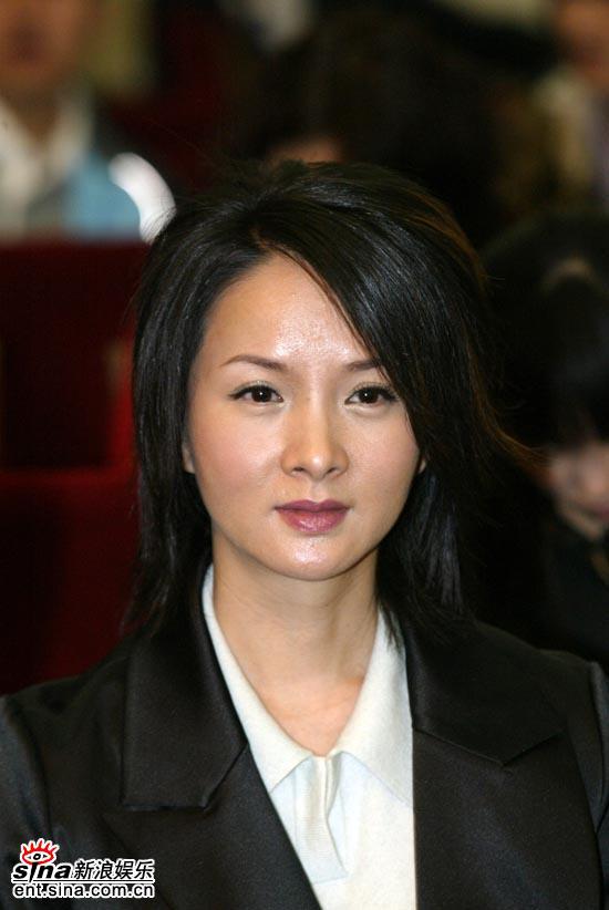 演员谢兰作为颁奖嘉宾出席大学生电影节(附图