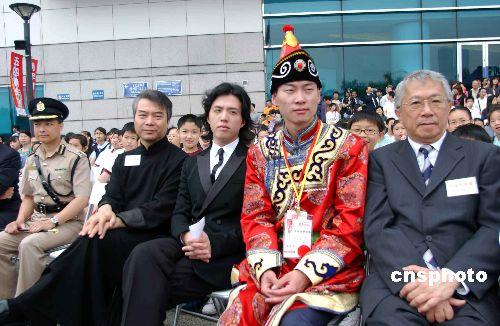 李云迪同香港小学生座谈不刻意与郎朗比较(图)
