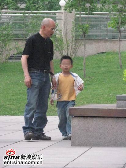 独家组图:陈坤被曝有五岁大私生子邻居皆知情
