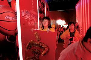 李宇春正式代言可乐坦言刘翔是其偶像(组图)