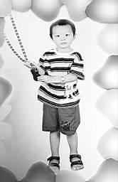 刘德华儿子3岁了?宋祖德又扔娱乐炸弹(组图)
