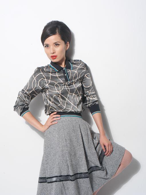 组图:李佳时尚造型首度曝光性感大走艳丽路线