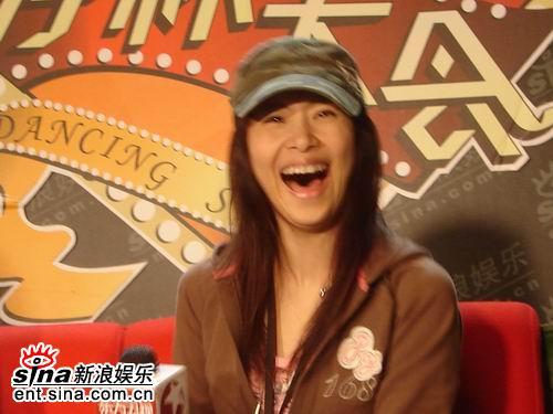 咧嘴大笑的李慧珍