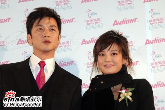 图文:万众偶像华人慈善夜--李亚鹏和赵薇