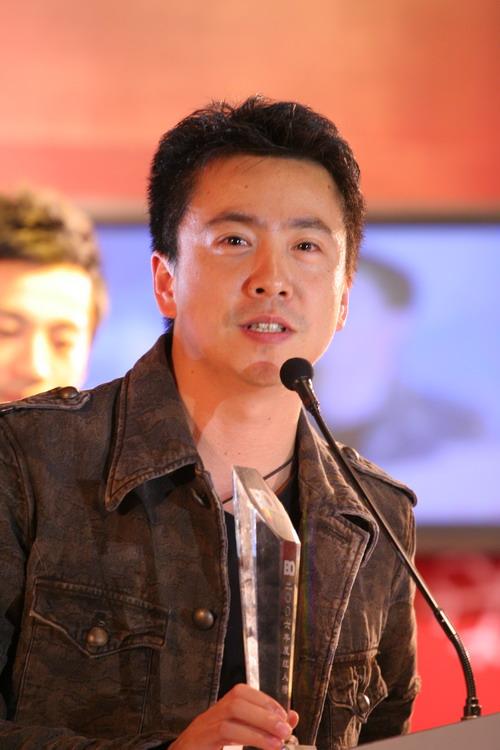 图文:BQ红人榜--王中磊获年度时尚精英人物