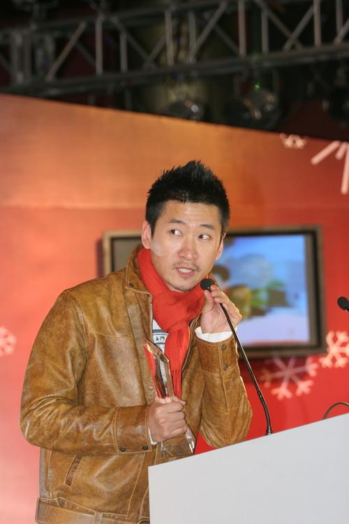 图文:BQ2006红人榜--周杰获年度时尚红人