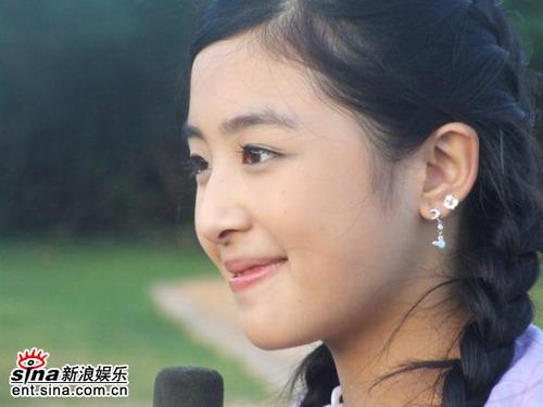 """刘亦菲张含韵景甜娱乐圈明星""""低龄化""""(组图)"""