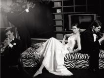 组图:瞿颖黑白复古写真绅士环绕享尽贵族奢华
