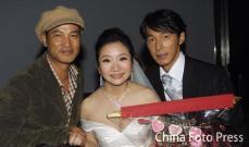 组图:陶晶莹婚礼群星到贺与丈夫热吻幸福温馨