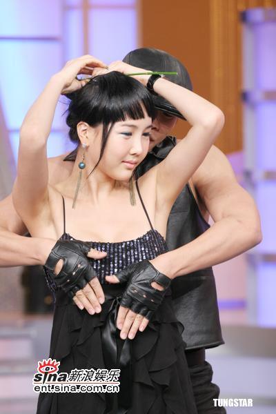 xxx情色_图文:综艺节目大打情色牌--火辣热舞