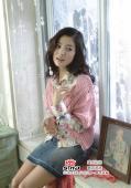 组图:宋慧乔全新春装写真照时而妩媚时而俏皮