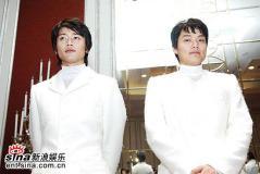 4月6日最酷男星:李俊基帅气王子装扮T台走秀