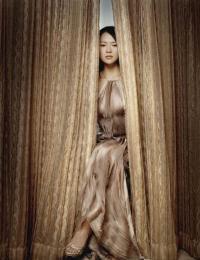组图:6月9日时尚关键词--曳地流苏长裙