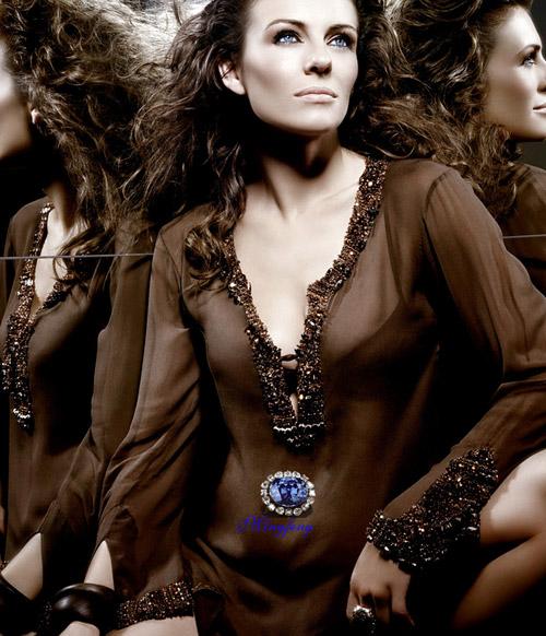 图文:伊丽莎白-赫莉写真--薄纱覆体