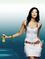 7月25日最美女星:韩星全智贤性感低胸大扭蛇腰