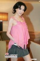 组图:8月3日最美女星:萧蔷致粉低胸装秀34D丰胸