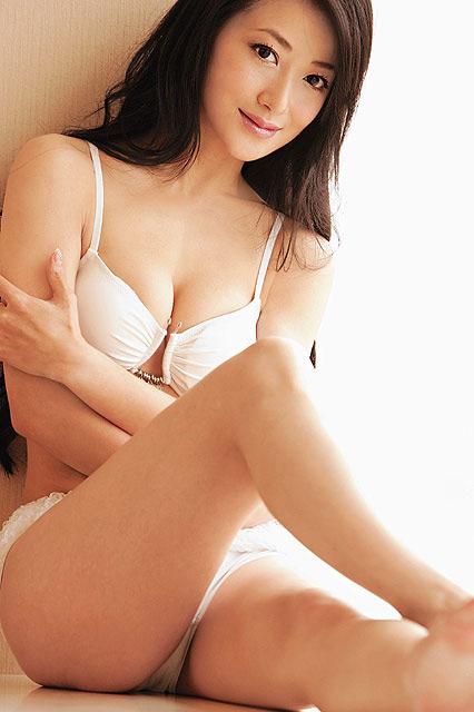 图文:陈紫函大胆沐浴写真--清纯妩媚