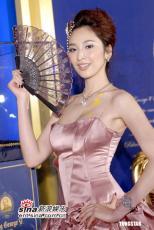 12月01最美女星:吴佩慈化身30年代窈窕淑女