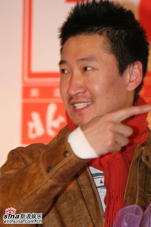 图文:BQ2006年度红人榜--周杰近照