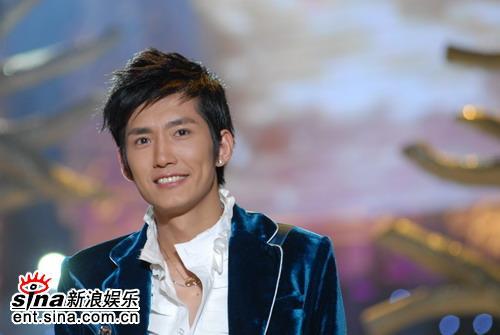 图文:好男广州5强产生--高磊的阳光微笑
