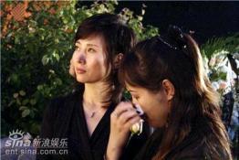 87版《红楼梦》剧组重聚雨中追思陈晓旭(组图)