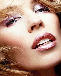 凯莉-米洛MTV披露隐私传性感歌后纹唇整容(图)