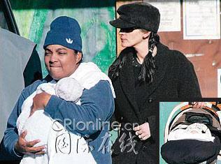 朱莉亚-罗伯茨和双胞胎宝贝照片首次曝光(组图)