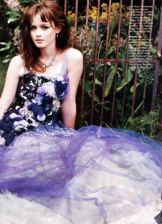 10月19日最美女星:布莱德尔飘逸写真恬静淡雅