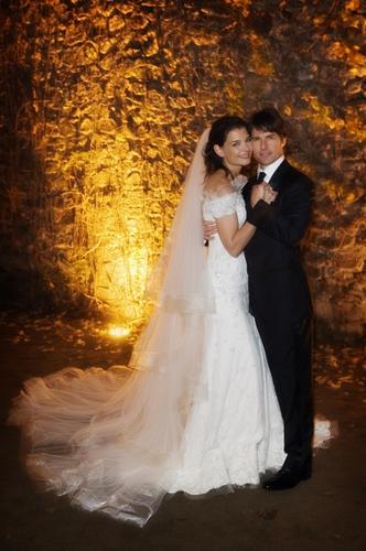 阿汤哥、凯蒂结婚照曝光甜蜜温馨令人艳羡(图)