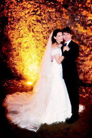 阿汤哥梅开三度娶凯蒂婚礼耗资250万美元(图)
