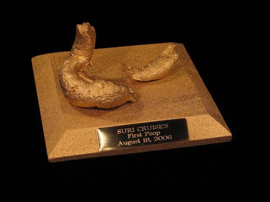 组图:汤姆-克鲁斯爱女苏丽首次大便雕塑曝光