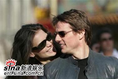 克鲁斯和女友赫尔姆斯婚期定在11月18日(图)