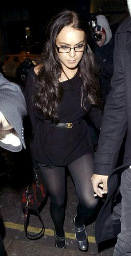 组图:林赛罗韩戴眼镜扮知性黑色丝袜极至诱惑