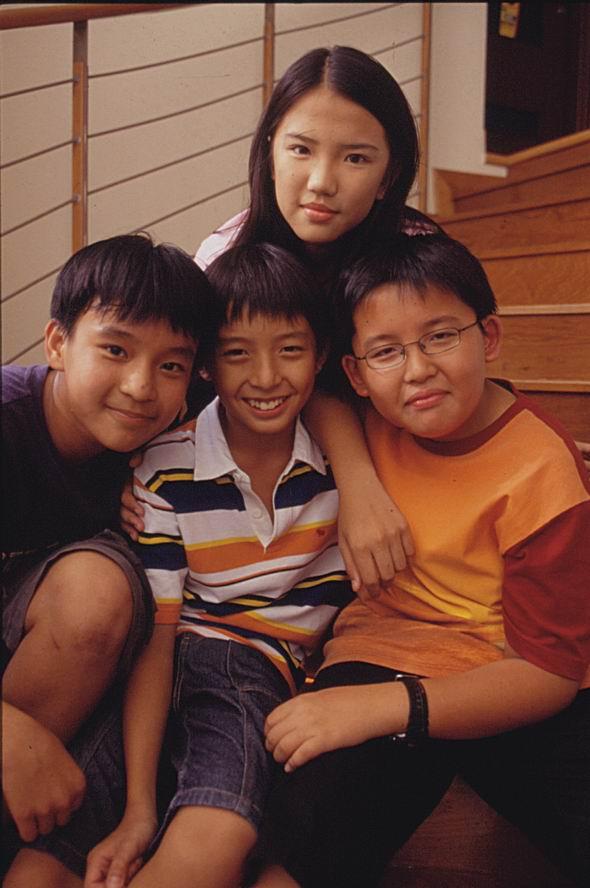新加坡电视剧 小孩不笨 初一央视8套播出