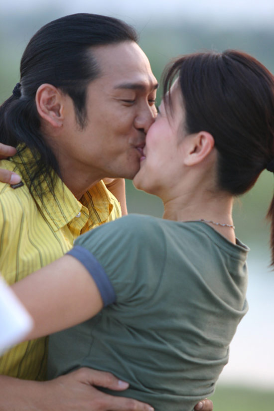 图文:陈慧珊《维纳斯之恋》主动湿吻杜德伟(2)