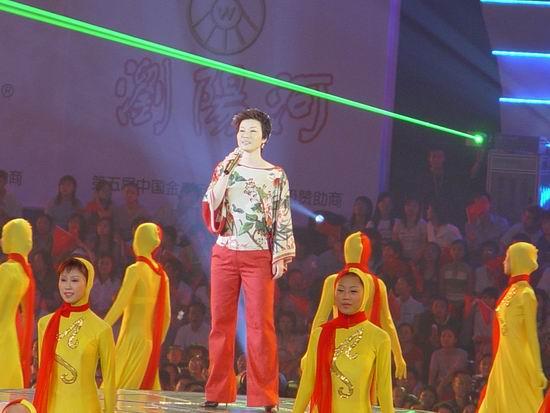 图文:金鹰节长沙隆重开幕群星激情演出(47)
