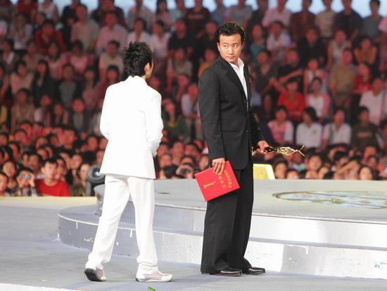 组图:胡军获得观众喜爱的电视剧男演员奖